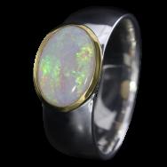 Ring mit strahlendem Edelopal, 925er Silber, goldbelötet mit 750er Gold, Ring Größe 57