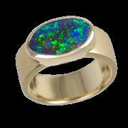 Ring_Gold_Boulder_Opal_blau_oval_01