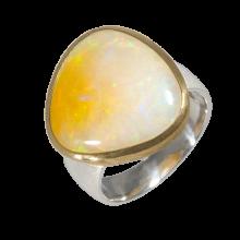 Ring mit strahlendem Edelopal in goldplattierter Fassung, 925er Silber, Ring Größe 55