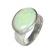 Opal_Ring_Edelopal_Weiss_Silber_Ringgroesse_58_1408059