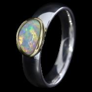 Ring mit zauberhaftem Edelopal in Weiß, 925er Silber, goldbelötet mit 750er Gold, Ring Größe 54