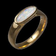 Ring mit länglichem Edelopal, 750er Gold, Ringgröße 57