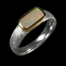 Opalring mit viereckigem Edelopal, 925er Silber, Ringgröße 55