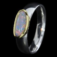 Opalring mit schillerndem Edelopal in Blau, 925er Silber, goldbelötet mit 750er Gold, Ringgröße 53