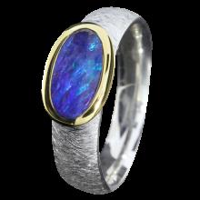 Opal Ring mit ovalem Boulder Opal in Kobaltblau, 925er Silber, teilvergoldet, Ringgröße 54