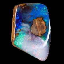 Gebohrter Boulder Opal in Mosaikoptik