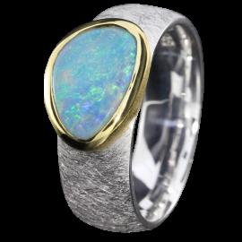 Opal_Ring_Edelopal_Blau_Silber_Ringgroesse_56_18110614